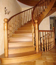 Дизайн и изготовление деревянных лестниц